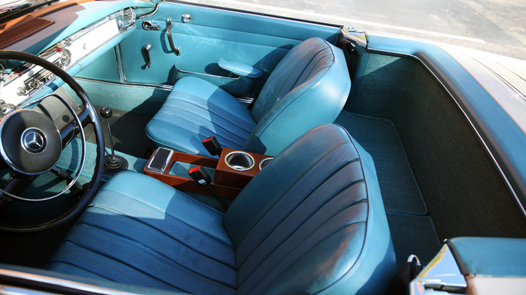 Turquoise interior of Alex Djuric's 1967 Mercedes 250 SL